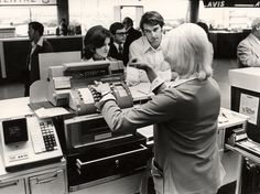 RING THE FREAKING CASH REGISTER. Why startups should re-focus on actually turning a profit.