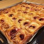 Eenvoudige appel plaatkoek - http://www.mytaste.be/r/eenvoudige-appel-plaatkoek-8262713.html