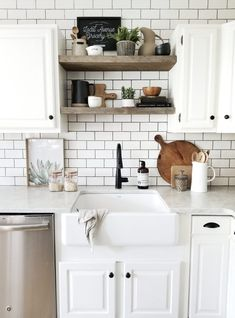 7 Easy Tips For Styling Your Shelves How to easily style open shelves in a modern farmhouse kitchen. Styling Tips from Cynthia Harper. Farmhouse Kitchen Inspiration, Farmhouse Kitchen Tables, Modern Farmhouse Kitchens, Rustic Kitchen, Home Kitchens, Farmhouse Decor, Kitchen Ideas, Open Kitchen, Country Kitchen