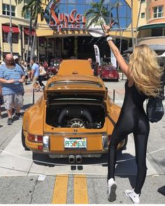 The Effective Pictures We Offer You About Classic Cars paintings A quality picture can tell you many things. You can find the most beautiful pictures that can be presented to you about Classic Porsche Classic, Bmw Classic Cars, Porsche Autos, Porsche 930, Porsche Club, Porsche Carrera, Sexy Cars, Hot Cars, Porsche Models