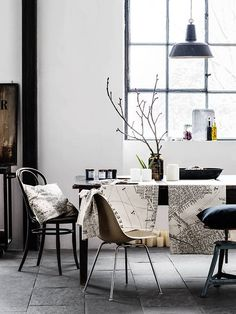dinner table, open plan living, factory design, factory interior, old factory, vintage decor