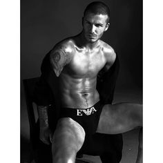 David Beckham for Emporio Armani. Nothin but sexy! David Beckham Team, Estilo David Beckham, David Beckham Shirtless, Tatuajes David Beckham, David Beckham Tattoos, Emporio Armani, Giorgio Armani, Gorgeous Men, Beautiful People