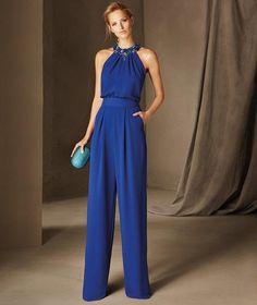 Pronovias > BELGICA - Cocktail jumpsuit, sleeveless, halter neck, in crepe Blue Jumpsuits, Jumpsuits For Women, Dresses Uk, Evening Dresses, Party Dresses, Cocktail Jumpsuit, Cocktail Dresses, New Mode, Elegant Outfit