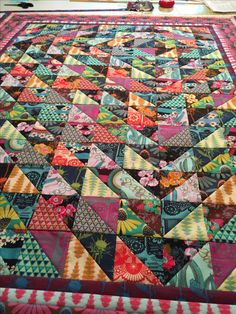 Scrappy Quilts, Easy Quilts, Half Square Triangles, Squares, Quilting Projects, Sewing Projects, Bohemian Quilt, Textiles, Color Studies
