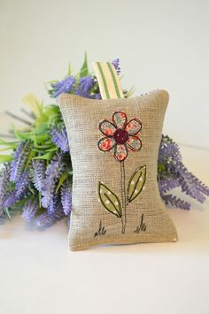 Handmade grey linen lavender bag, Lavender sachet, Scented bag filled with dried English lavender. A lovely handmade linen Lavender bag, lavender sachets filled full of lovely smelling dried English lavender. Freehand Machine Embroidery, Free Motion Embroidery, Free Machine Embroidery, Embroidery Applique, Embroidery Designs, Lavender Crafts, Lavender Sachets, Diy Lavender Bags, Sewing Crafts