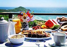 #BuenousDìas! All happiness depends on a leisurely breakfast  Café da Manhã na Praia #Brazil