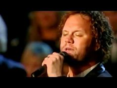 David Phelps & Gaither Vocal Band - He's Alive.mp4