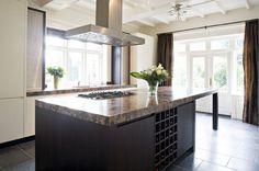 Maatwerk luxe moderne houten keuken - The Living Kitchen by Paul van de Kooi