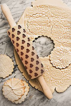 Embossed Holiday Rolling Pins – www. Plain Cookies, Sweet Potato Waffles, Easy Rolls, Cake Decorating Tools, Cookie Decorating, Holiday Baking, Christmas Baking, Christmas Recipes, Yummy Cookies