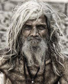 Một tu sĩ Sadhu đến từ Varanasi, Ấn Độ. Tác giả: Craig Stevenson.