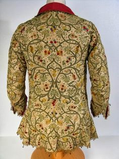 Isis' Wardrobe: Informal jackets and waistcoats of the early century. Linen jacket embroidered with silk, 17th Century Clothing, 17th Century Fashion, Embroidered Clothes, Embroidered Jacket, Historical Costume, Historical Clothing, Elizabethan Fashion, Elizabethan Dress, Manchester Art