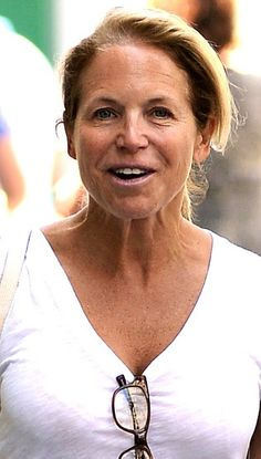 Katie Couric - without makeup Katie Couric, Celebrities Then And Now, Without Makeup, Free Makeup, Close Up, Celebs, Selfie, Stars, People