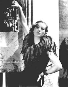 Ultra fashion...Joan Crawford style