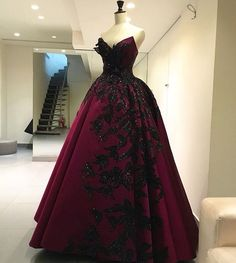 Moe shour. vampire queen dress