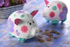 Piggy Bank - If you like to save and at the same time recycle this idea is perfect for you, you only need a news - Paper Mache Crafts For Kids, Paper Mache Diy, Diy Crafts For Kids, Fun Crafts, Arts And Crafts, Paper Mache Balloon, Balloon Crafts, Easter Crafts, Christmas Crafts