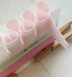 ふんわりリボンの作り方 Diy Ribbon, Ribbon Crafts, Ribbon Bows, Diy And Crafts, Crafts For Kids, Fabric Manipulation, Flower Making, Fabric Flowers, Handicraft