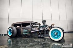 Cool don't like the blue rims but still Weird Cars, Cool Cars, Carros Audi, Rat Rod Cars, Traditional Hot Rod, Rusty Cars, Old Trucks, Pickup Trucks, Car Humor