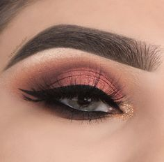 finishes her impeccable look with lashes in style HEIRESS. Beautiful Eye Makeup, Love Makeup, Beauty Makeup, Makeup Looks, Makeup Inspiration, Makeup Ideas, Makati, Flawless Skin, Beauty Industry