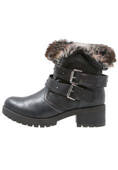 Anna Field Cowboy/ Bikerstiefelette black Schuhe bei Zalando.de | Obermaterial: Hochwertiges Lederimitat, Innenmaterial: Textil, Sohle: Kunststoff, Decksohle: Textil | Schuhe jetzt versandkostenfrei bei Zalando.de bestellen!