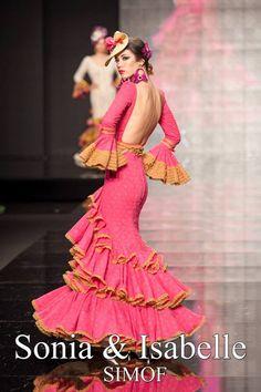 Sonia e Isabelle (Sonibel)  'Carmen' | Moda Flamenca por Claudia Alfaro vía Entre Cirios y Volantes.