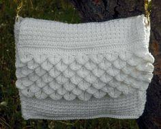 White Crocodile Purse – Crochet Uncut