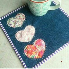 Patchwork patterns sewing projects mug rugs 64 Ideas Mug Rug Patterns, Patchwork Patterns, Quilt Patterns, Sewing Patterns, Canvas Patterns, Small Quilts, Mini Quilts, Small Sewing Projects, Sewing Crafts
