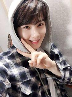 bin has a fan account dedicated to dongmin Korean Men, Korean Actors, Asian Boys, Asian Men, Cha Eunwoo Astro, Lee Dong Min, Astro Fandom Name, Park Bo Gum, Kim Woo Bin