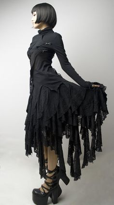 Ok, it's a crazy dress that you might see on the Munsters or the Addam's Family, but I like the hair.  :)