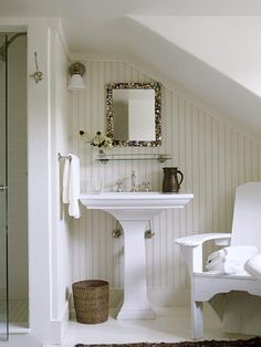 Bedroom attic ideas slanted walls upstairs bathrooms 24 Ideas for 2019 Attic Bathroom, Upstairs Bathrooms, Attic Rooms, Attic Spaces, Bathroom Small, Compact Bathroom, White Bathrooms, Bathroom Ideas, Small Cottage Bathrooms
