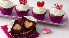 How-to-Make-Surprise-Inside-Cupcakes_06