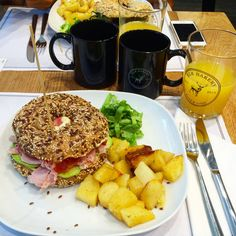 Brunch da Elk Bakery: Bagel Lakers!  http://www.bibiadvisor.it/brunch-elk-bakery-verona/
