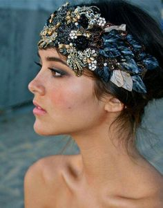 New Wedding Boho Headpiece Headdress Ideas Vestidos Luau, Bridal Headpieces, Bridal Hair, Boho Headpiece, Wedding Headdress, Fascinator Hats, Fascinators, Headgear, Hair Jewelry