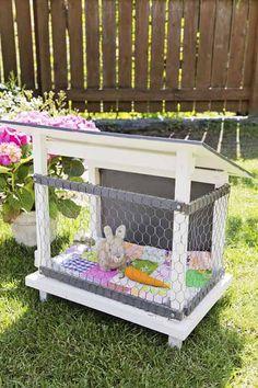 Soooo cute to the playhouse | leikkimökki | lekstugan får en egen bur