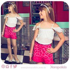 Esse look está com tudo! Mistura a delicadeza da blusinha, com a pegada fashion da saia de animal print pink. Um arraso!  #karapalida #verão2015 #animalprint #minissaiacolor