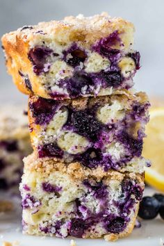 The BEST homemade blueberry coffee cake recipe made with soft and moist cake loaded with blueberries and a crumb topping. Raspberry Coffee Cakes, Blueberry Cake, Blueberry Recipes, Fruit Recipes, Cake Recipes, Top Recipes, Sweets Recipes, Muffin Recipes, Delicious Recipes