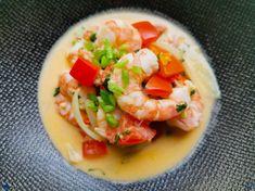 Retrouvez notre délicieuse recette de Moqueca de crevette ou Moqueca de Camarao de Bahia. Un voyage dans l'assiette tellement c'est bon  #Recette #Recipe #Cuisine #brasil #bresil #Gastronomy #Gastronomie #Food #foodporn #crevette #shrimp #moqueca #camarao #seafood #voyage Wok, Saveur, C'est Bon, Cantaloupe, Fruit, Bahia, Yummy Recipes, Food Recipes, Red Palm