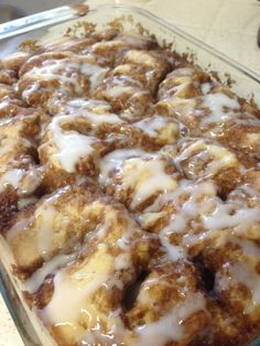 Cinnamon Roll Coffee Cake………… is part of Cinnamon desserts - I am not a huge fan of cinnamon However, I love the aroma of cinnamon Imagine if you will, the smells of cinnamon, butter and … Cinnamon Swirl Cake, Cinnamon Desserts, Köstliche Desserts, Cinnamon Butter, Cinnamon Roll Bread, Cinnamon Coffee Cakes, No Yeast Cinnamon Rolls, Cinnamon Roll Casserole, Breakfast Cake