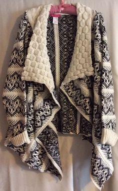 PINKLICIOUS Ladies sweater poncho Black & White ~ One Size #PINKLICIOUS #WrapSwing