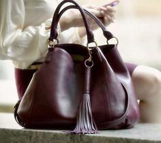 Supple leather bag with tassel