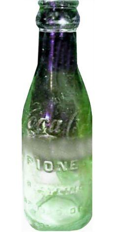 Brookeside, Alabama Antique Bottles, Vintage Bottles, Antique Glass, Coca Cola Bottles, Bottles And Jars, Glass Bottles, World Of Coca Cola, Wood Display, Pepsi