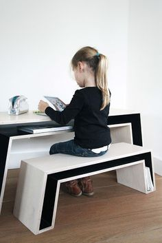 Beautiful & practical! the boo and the boy: #kidsdesks #childrenread #childrenbooks @Organic Kid