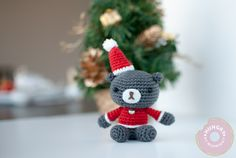 Christmas teddy free crochet pattern by blogger, Hungry At Midnight