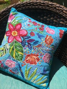 18 ideas for embroidery projects wool Name Embroidery, Hand Embroidery Flowers, Embroidery Bags, Embroidery Fashion, Cross Stitch Embroidery, Machine Embroidery Designs, Embroidery Patterns, Costura Diy, Applique Cushions