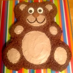 The teddy bear cake before the bow