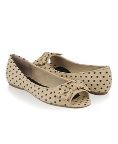 dotted peep toe flats, so cute!