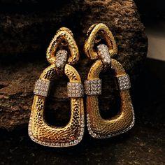 Gold and diamond earrings by @davidwebbjewels ✨✨