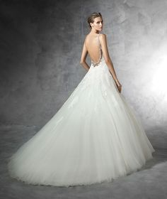 PRALA Wedding dress (straps) | Pronovias | Pronovias