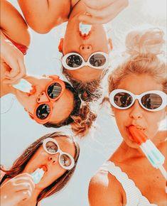 Cute Friend Pictures, Best Friend Pictures, Cute Pictures, Best Friends Shoot, Cute Friends, Peach Aesthetic, Summer Aesthetic, Photo Trop Belle, Besties