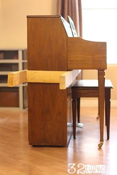 Upright Piano Moving Tips. Last time I moved my piano - I hurt my shoulder and h. : Upright Piano Moving Tips. Last time I moved my piano – I hurt my shoulder and had to have surgery – NEXT time I will get some strong guys and make this carrier! Spinet Piano, Piano Living Rooms, Moving A Piano, Piano Desk, Packing To Move, Packing Tips, Upright Piano, Welcome To My House, Moving Furniture
