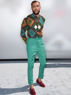 A man that can pull off a bold, patterned shirt this easily...gets two thumbs up from us!